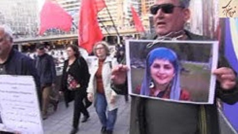 دفاع از جنبش کارگری در میدان سرگل در استگهلم همراه احزاب چپ و کمونیست
